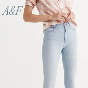 BNWOT A&F High rise Jeggings